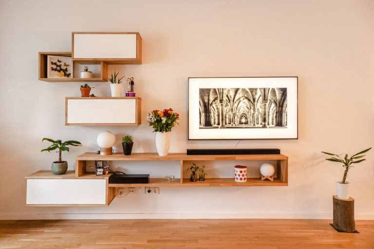 15 Genius Shelf Styling Ideas for the Living Room